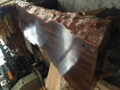 所罗门大叶紫檀原木桌板,美而不艳,返朴归真