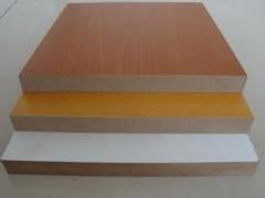 密度板 中纤板贴面板三聚氰胺饰面板 厂家直销量 高密度板