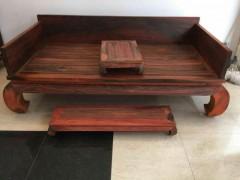 老挝大红酸枝光板罗汉床 带小平几一个 脚踏一个 共三件套 凭祥市匠心居红木家具店