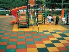户外橡胶地垫  幼儿园户外橡胶地垫  弹性彩色橡胶地垫