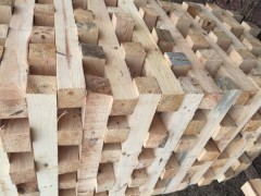 公司现已大量生产松木 杂木 水杉半成品
