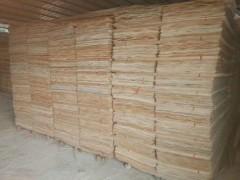 各种规格桉木单板均可定制加工生产