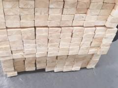 精品云杉板材1-4级(SF级)寻找买家,货源稳定