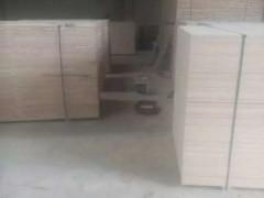 山东华泽木业立铺条子板大量批发,各种规格均可加工生产