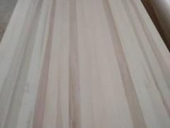 山东菏泽曹县国亮杨木制品厂专业生产杨木直拼板各种规格均可定制