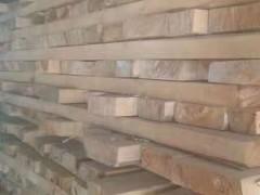 云南木业有限公司出售一批柏木扁柏枝板材产地四川有需要的速联糸
