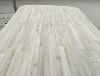 杨木烘干板材水分10个以内杨木两拼芯板首选山东菏泽森林木业
