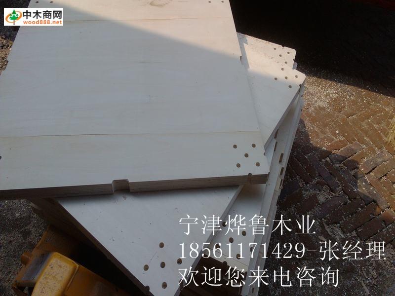 展台木龙骨板墙