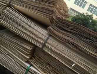 厂家直销各种规格厚度的杨木板皮,可定制加工