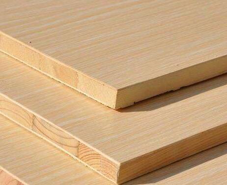木板可代替实木板应用,现普遍用作建筑室内隔墙,隔断,橱柜等的装修.