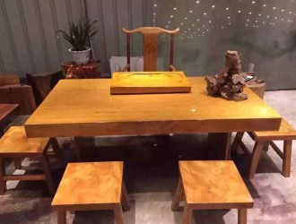 优质黄花梨大板桌供应