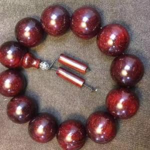 小叶紫檀酒红色高密玻璃底满金星手串出售