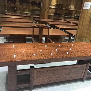胡桃木实木大板桌