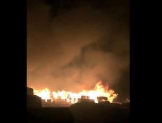 【突发大火】满洲里木材突发大火,将对中国木材市场产生不可估量的影响。