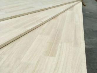 临沂嘉泰木业有限公司主营:多层板家具板、全杨橡胶木系列