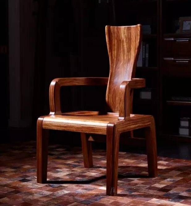 乌金木官帽椅