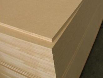 E1级中纤板行情持续向好,柚木实木地板有价无市