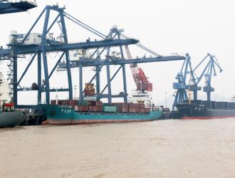 浙江嘉兴口岸上半年进境原木同比增长78.4%