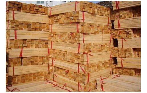 白松锯木板材
