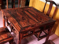 大红酸枝四方桌