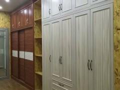 香港笑山虎-开门型材装饰衣柜