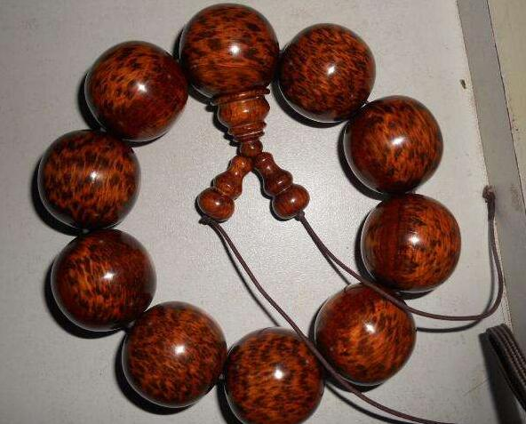 蛇纹木手串