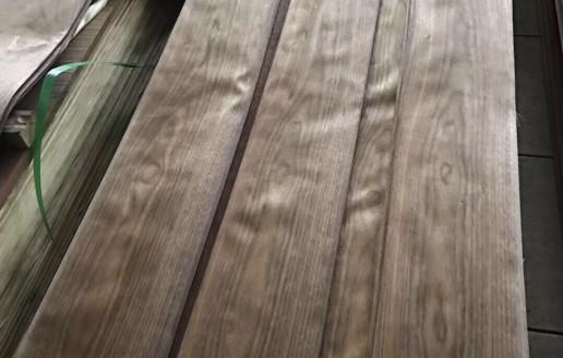 浙江德清洛舍镇隆森木皮厂:黑胡桃平皮生产视频