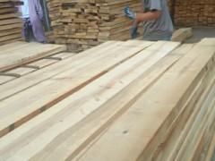 专业加工桦木板材,家具部件,刨光材欢迎你来绥芬河洽谈