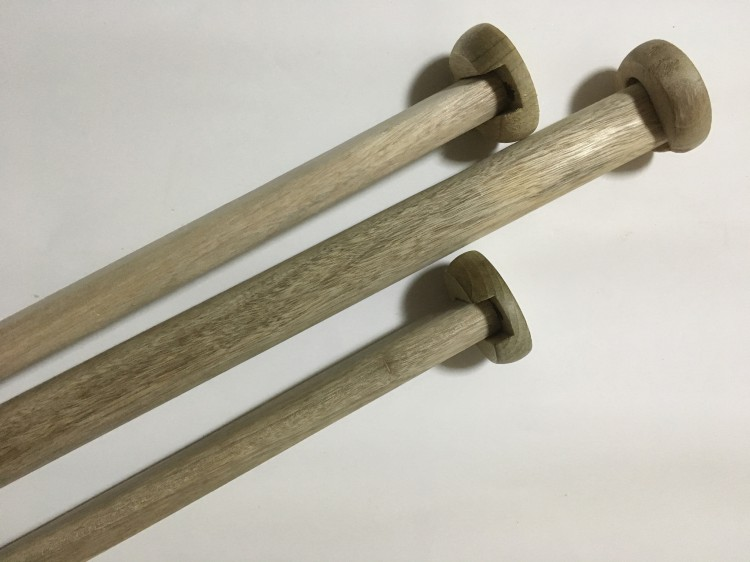厂家供应 优质香樟木衣杆托 衣杆法兰托 木扁棍 实木挂衣杆