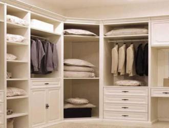 新房子添衣柜,选木工定制还是买现成的哪个更合适?