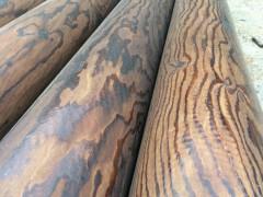 供应古建筑用松木圆柱 寺庙防腐圆柱子定制 碳化木