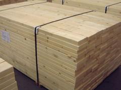 木屋别墅首选材料樟子松,公司刚进货的俄罗斯樟子松。