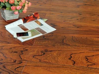 购买实木地板的检验方法