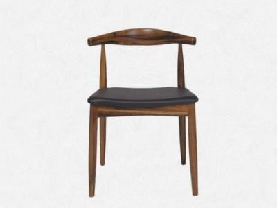 一把牛角椅—工匠,设计师和木头人