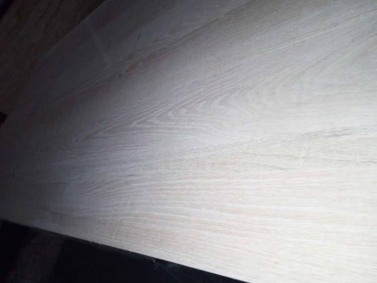 红橡红橡直拼板的优点是具有鲜明的山型木纹
