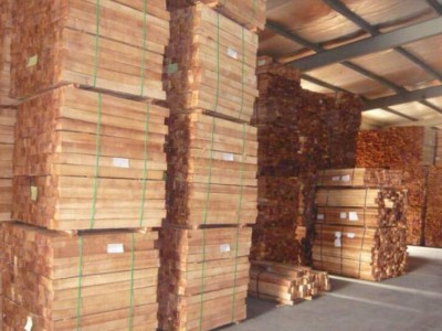 木材价格依旧高位 部分厂家为跑量降价