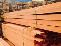辐射松集成材 辐射松刨光板木方 新西兰工程建筑辐射松