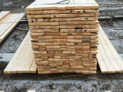 乌克兰松木烘干板材