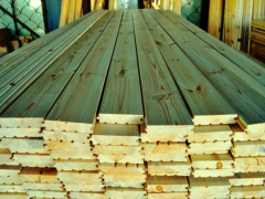 乌克兰松木地板