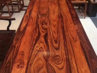 5片白酸枝板材的价格等于1吨的原材料,只因这一特质!