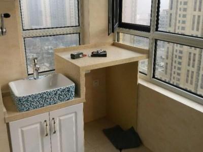 目前大家安装浴室柜或者洗衣台选铝合金好还是实木材质好