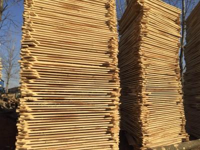 优质白杨木烘干板材图片_临颍伟辰木业