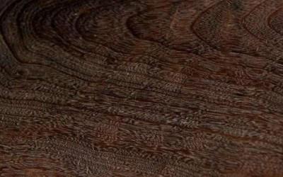 鸡翅木属于红木吗?鸡翅木辨别方法,鸡翅木手串盘玩方法?