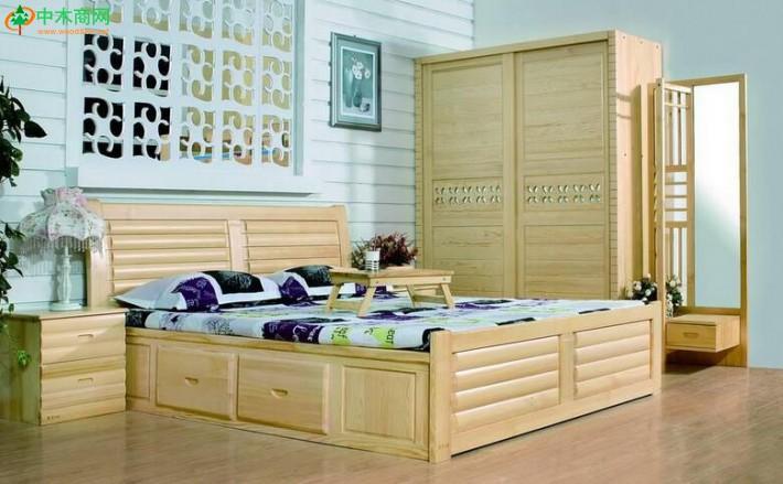 优质的松木家具会散发出一种原木特有的气味儿