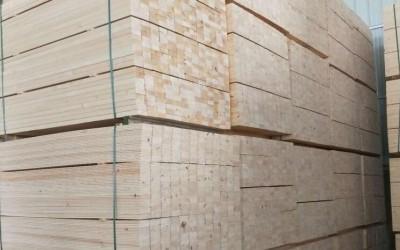 建筑方木多少钱一方,4x6建筑方木价格多少钱一根?