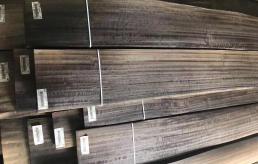 烟熏碳化山纹松木木皮视频