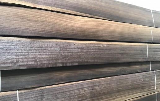 烟熏碳化直纹松木木皮视频