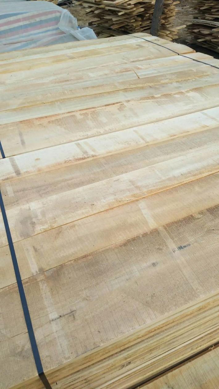 杨木板材实物图片