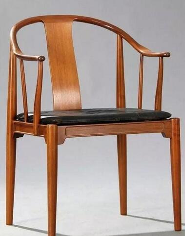 中国椅的设计灵感来自中国明式家具的经典之作——圈椅