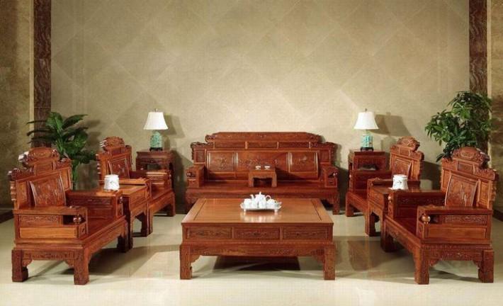 家具护理喷蜡不能用来清洁及保养皮质沙发